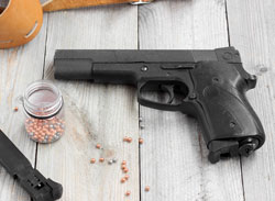Differences Between Airsoft CO2 and Green Gas Airsoft