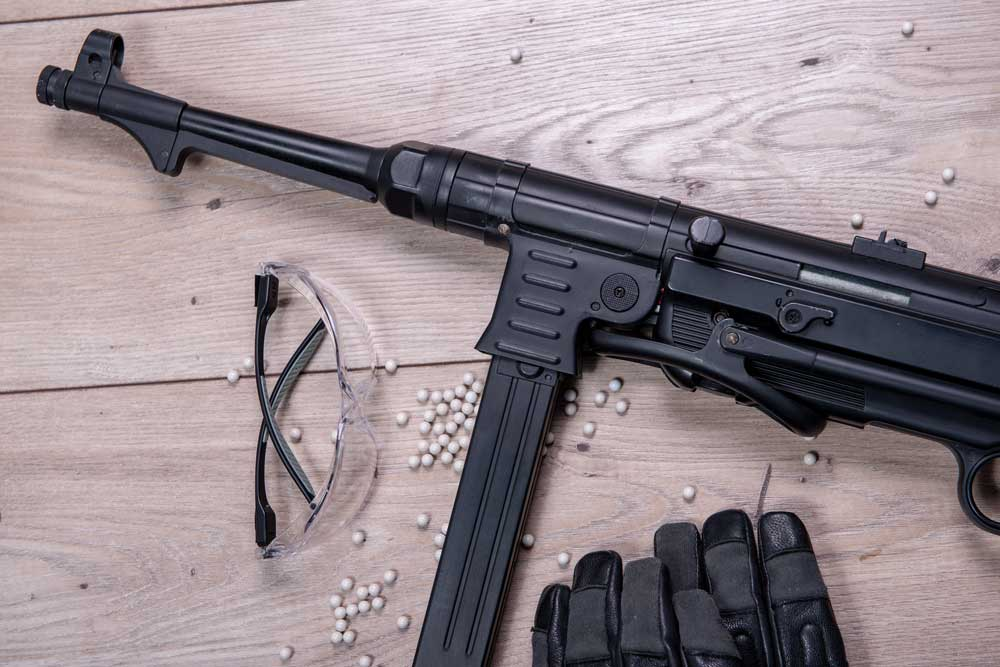 Spring Air soft gun with protective glasses and lot of bullets