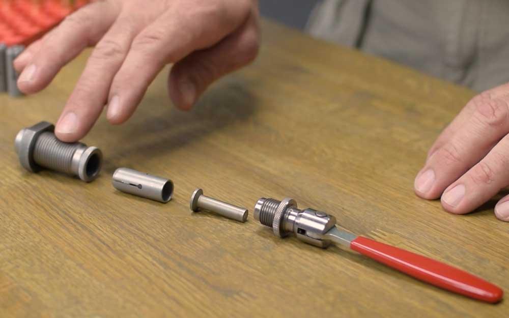 Cam-Lock Bullet Puller