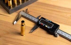 Production of cartridges for a rifle, reload. measurement of the empty cartridges with a calipe