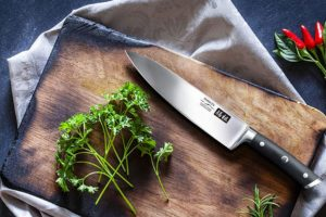 What is 5Cr15MoV Steel? Top 3 5Cr15MoV Steel Knives Review