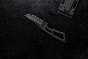 What is CPM S35vn steel? is CPM S35vn steel good for Knives? Top CPM S35vn knives review