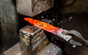 Forging molten n690c steel to making knives