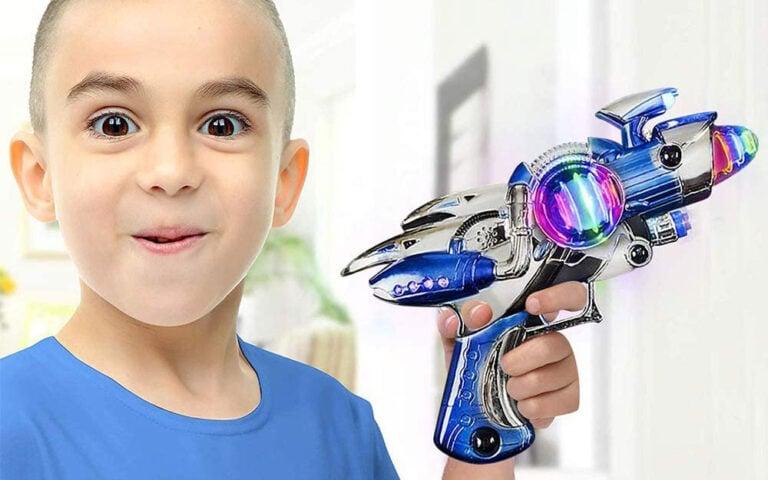 ArtCreativity Red and Blue Super Spinning Space Blaster Laser Gun